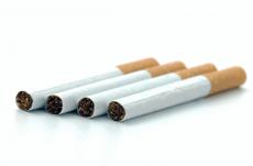 愛煙家 VS 嫌煙家…タバコをめぐる賛否両論