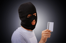 急増するスキミング…カード犯罪の対策と注意点