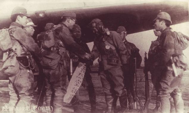 激しい対空砲火の中、着陸に成功した「空の神兵」の末路