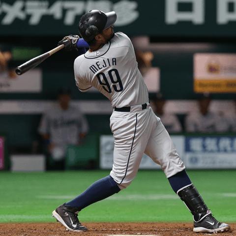 メヒア(西武)はアイサツ代わりの一発から本塁打王に。初打席で本塁打を放った助っ人たちのその後は?